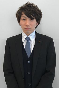 赤坂 隆介